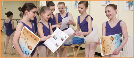 Ballet Classique dancers collect their marked challenges